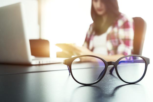 جلوگیری از خستگی چشم هنگام کار با کامپیوتر با روشی معجزه آسا